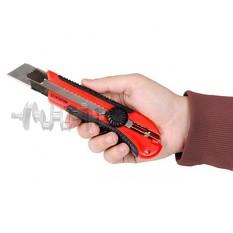 Нож с металлической направляющей 25 мм INTERTOOL